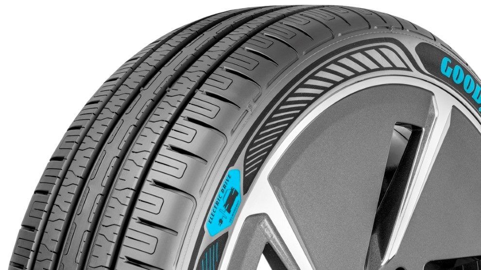Goodyear prezentuje EfficientGrip Performance z technologią Electric Drive